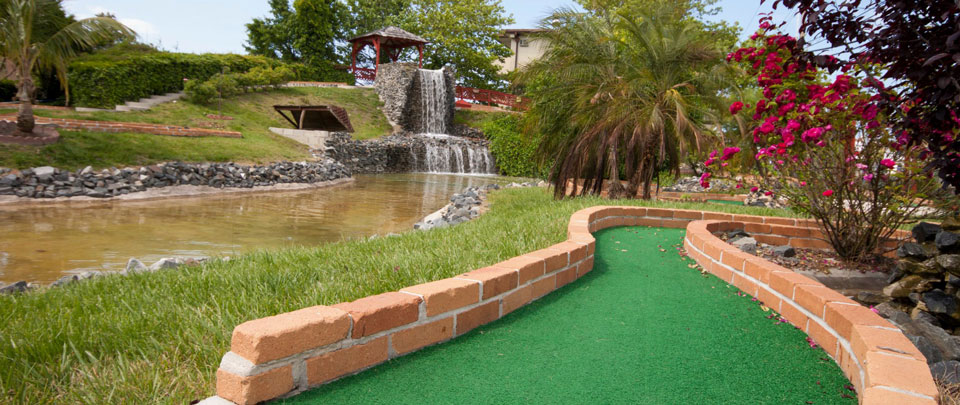 Mini golf at paradise cove