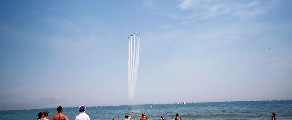 Black Diamond Jet Team soaring over the Ocean City crowd.