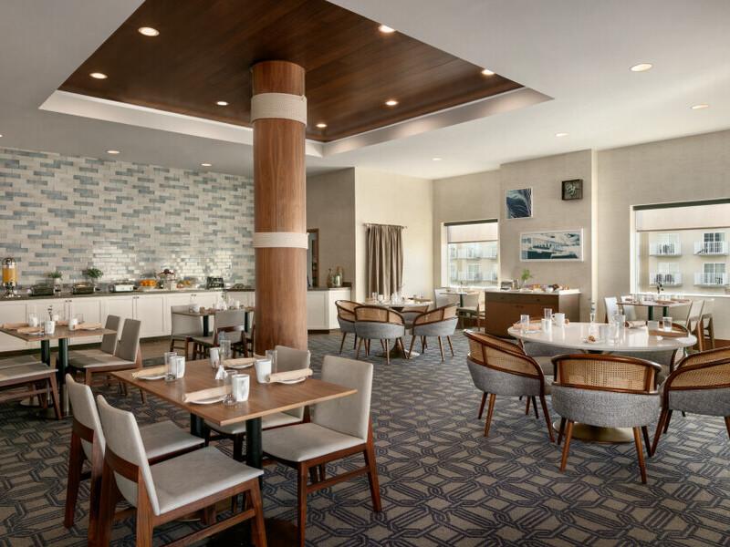32 Palm main dining area