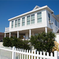 Oceanic Cottages located right next to the Oceanic feature spacious 2 and 3 bedroom vacation rentals.