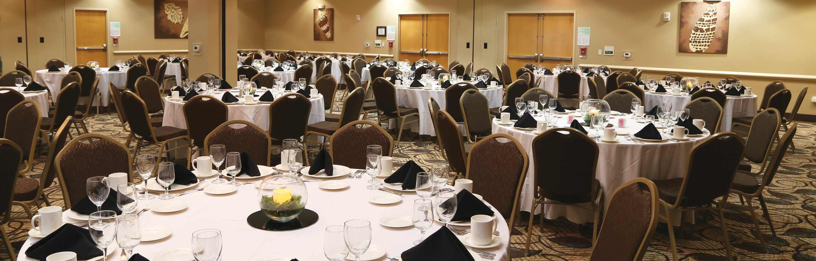 Large capacity ballroom on-site